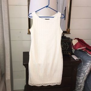 White eyelet dress size 4. Excellent condition